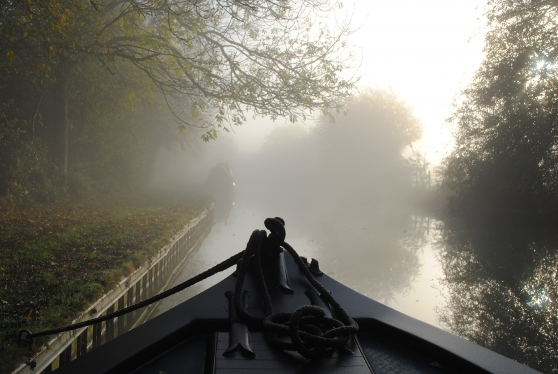 455 Misty Morning on the Oxford Canal