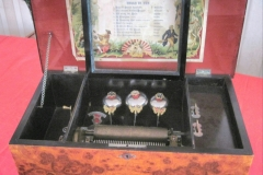 HDR_MusicBox_BellBox